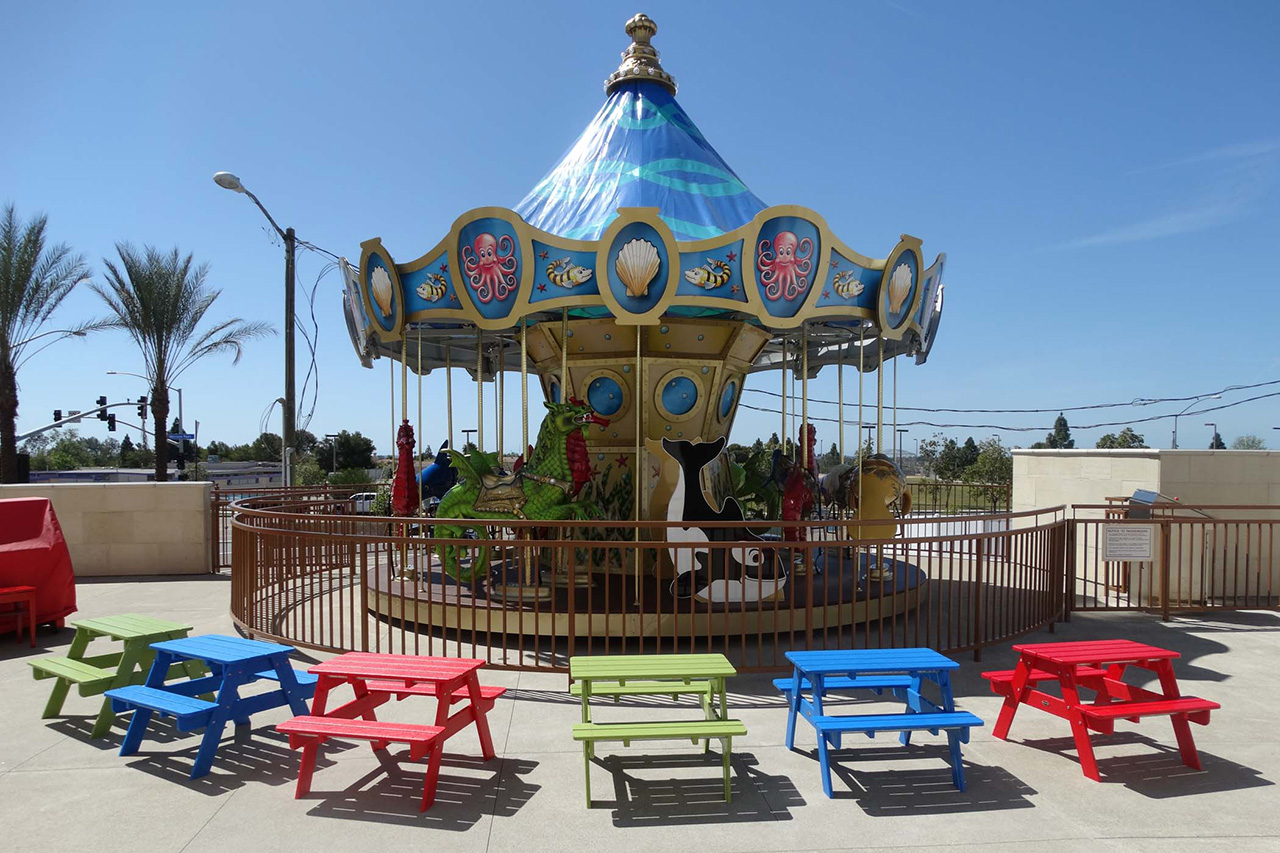 Kids Play Area & Carousel